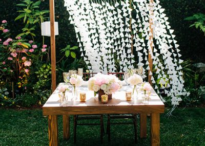 "Vineyard Natural 48""x30"" Sweetheart Table"