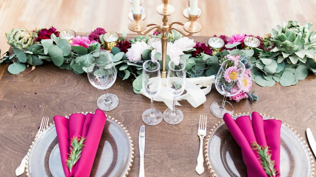 Boho wedding sweetheart table